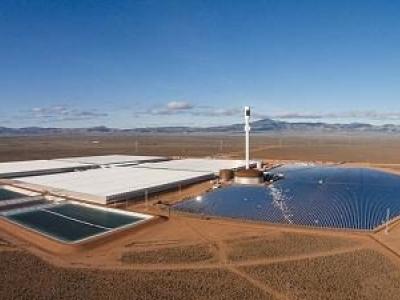 Energia solar é usado em estufa alimentada por energia renovável