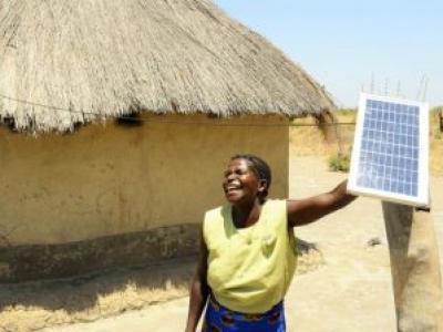 Start Up pretende tirar 1.2 bilhões de pessoas da pobreza usando a energia solar