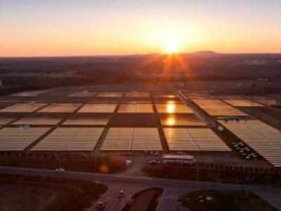 Apple vai construir usina solar de 200 megawatts para consumo próprio