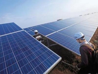 Nos EUA, indústria de energia solar já emprega mais do que a de petróleo, carvão e gás juntas