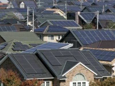 Energia solar criou 1 em cada 50 novos empregos nos EUA em 2016