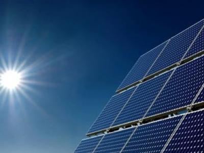 Governo de Goiás prioriza energia solar e cria linha de eficiência energética