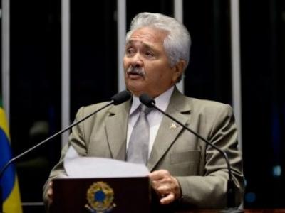 Senador defende energias alternativas e comemora construção de usina solar no Piauí