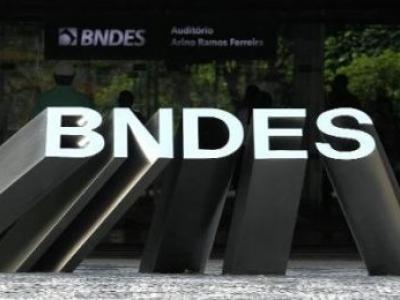 BNDES capta US$ 1 bi para apoiar projetos de energia eólica e solar