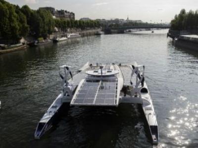 Barco movido a energia renovável inicia volta ao mundo