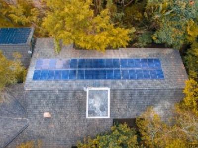Adesão à energia solar dá créditos junto à EDP em Mogi