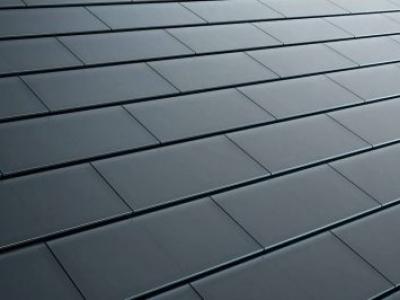 Tesla começa a fabricar painéis solares em formato de telhas