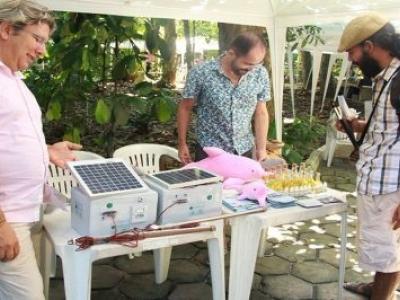 Curso ensina a fazer kit portátil de energia solar, em Manaus