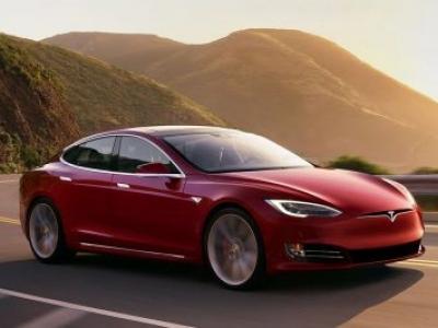 Tesla Model S vende mais que luxuosos alemães na Europa