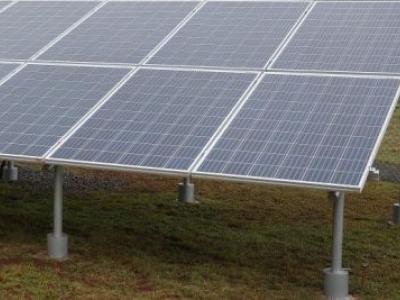 Presidente francês lança aliança para mobilizar US$ 1 trilhão para energia solar
