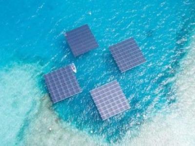 Como os painéis solares flutuantes estão ajudando as Maldivas a abandonar o combustível diesel