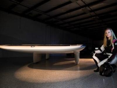Carro movido a energia solar quer bater recorde de velocidade