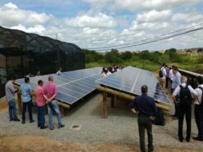 UFCG inaugura usina de energia solar no Sertão e estima economia de R$ 18 mil