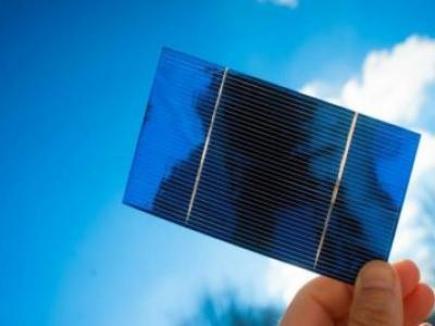 Professor ganha prêmio por reduzir o custo da energia solar