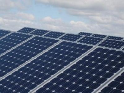 Universidade de British Columbia desenvolve célula solar capaz de gerar energia em dias nublados