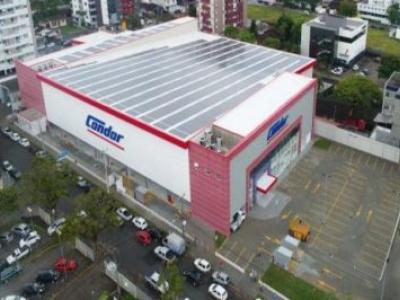 Rede paranaense inaugura maior usina solar em supermercado do Brasil