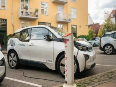 Dinamarca proibirá vendas de carros a gasolina e diesel até 2030
