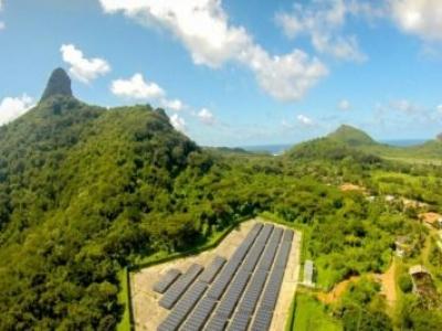 Fernando de Noronha recebe baterias para melhor aproveitamento da energia solar