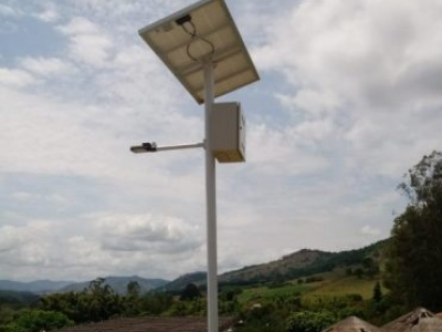 Projeto Off-Grid Poste Solar