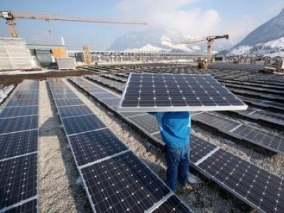 Motorista do Solartaxi continua rodando por energias renováveis