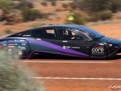 Sunswift Violet: Carro solar bate recorde ao conseguir percorrer 4100 km