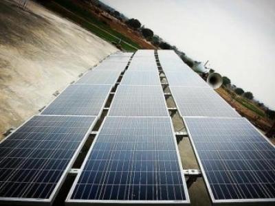 Filtro de água movido a energia solar abastece comunidades rurais