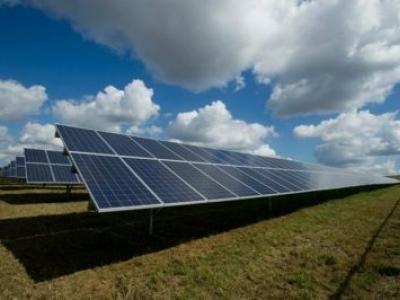 Capacidade de energia solar no Brasil avança 10 vezes em dois anos