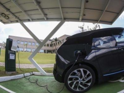 Indústria automotiva se prepara para mercado de veículos elétricos