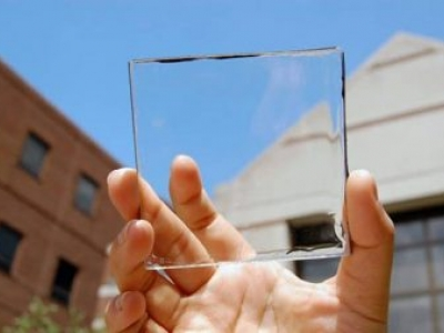 Inventaram um painel solar transparente que vai transformar janelas em geradores de energia