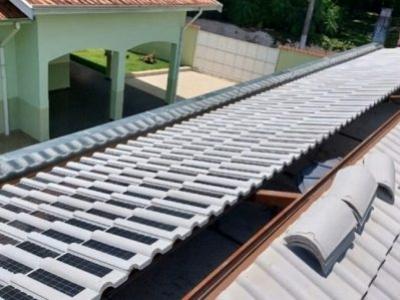 Eternit começa produção em massa de telhas solares para vender no mercado renovável brasileiro