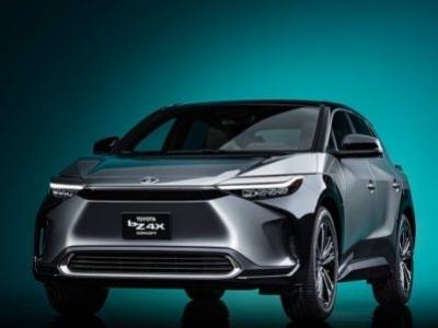 Toyota anuncia primeiro modelo com zero emissão de carbono e recarga solar